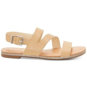 Jessica Simpson Braelyn Flat Sandals in Buff